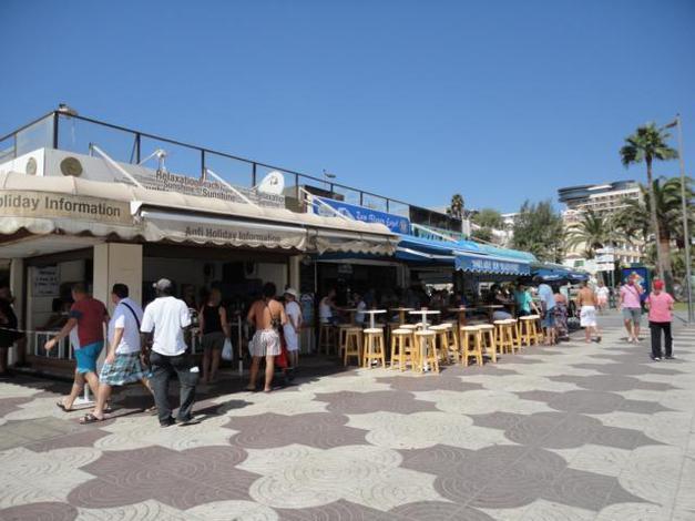 Bars en restaurants op de Paseo Maritimo in Playa del Ingles