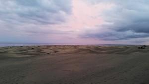 Duinen van Gran Canaria op een bewolkte dag