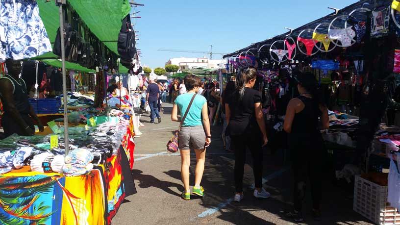 De openbare markt in Vecindario
