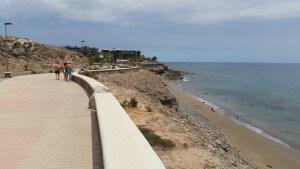 Meloneras aan de promenade met zicht op zee
