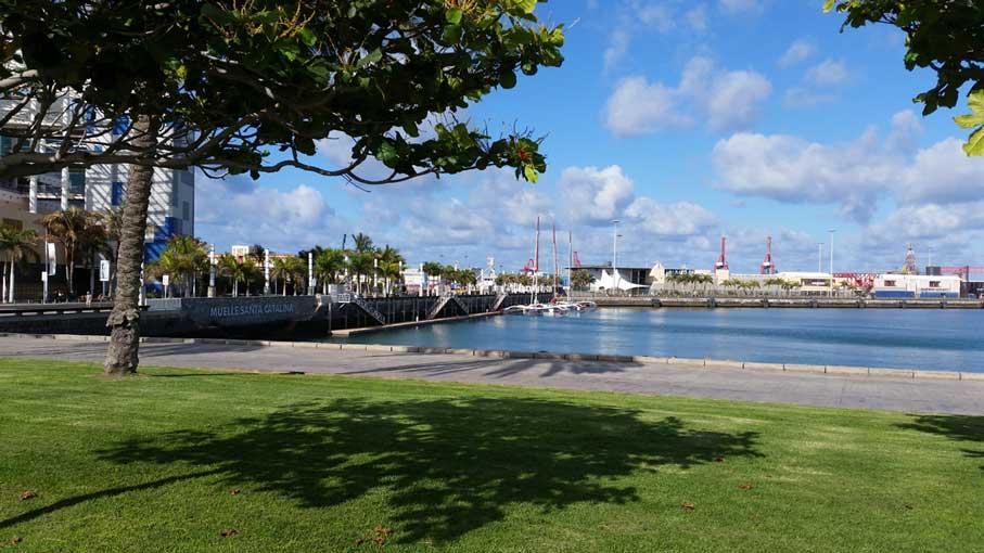 Santa Catalina met de haven en winkelcentrum in Las Palmas op Gran Canaria