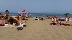 Atlantische oceaan en het strand van Playa del Ingles