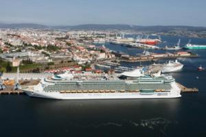 Cruiseschip in Puerto de La Luz in Las Palmas