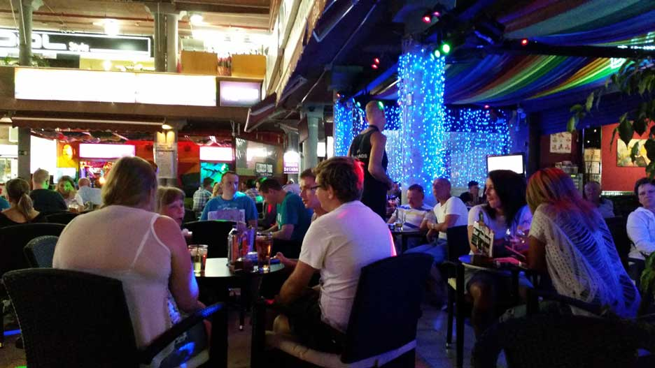 Partying in the numerous bars and shows in Playa del Ingles
